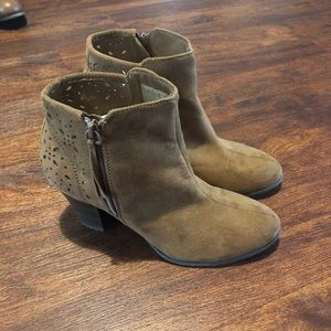 Women's American eagle booties